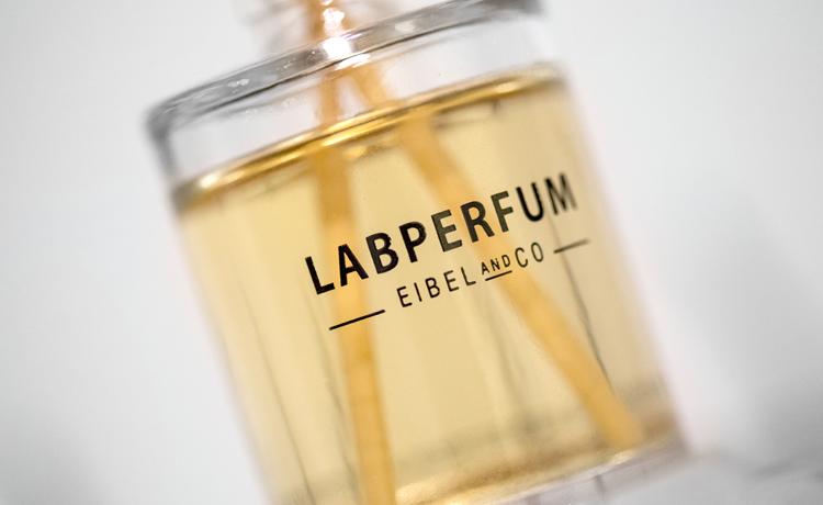 Labperfum_01